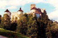 Pieningy,  góry, zamek