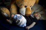 spokojnie śpiące dziecko