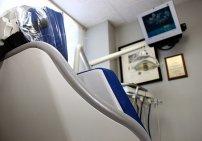 fotel i sprzęt stomatologiczny