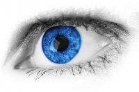 niebieskie soczewki